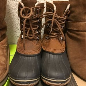 Sorel lace up boots. Size 8.